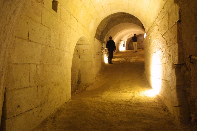 underground passage at the château de Brézé